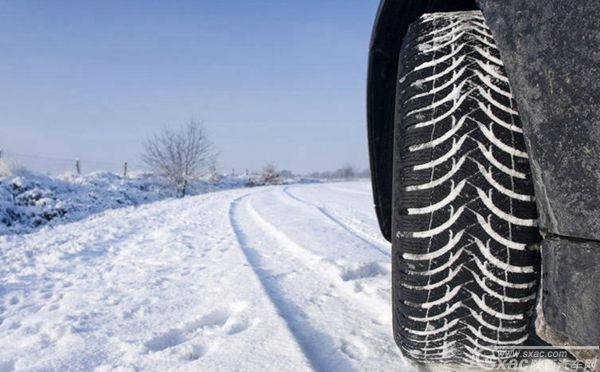 用车 路面 冰雪